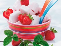 Erdbeer-Jogurt-Eis