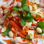 Chinakohl mit Paprika und Erdnüssen